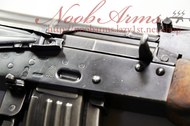 Noob Arms ブログテーマ変えてみました